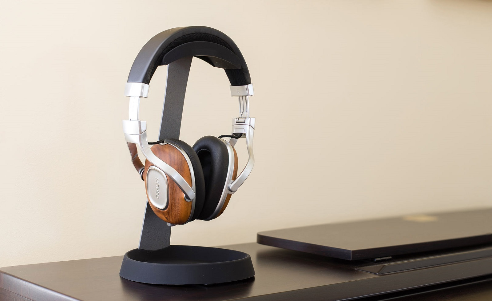 headset-stand